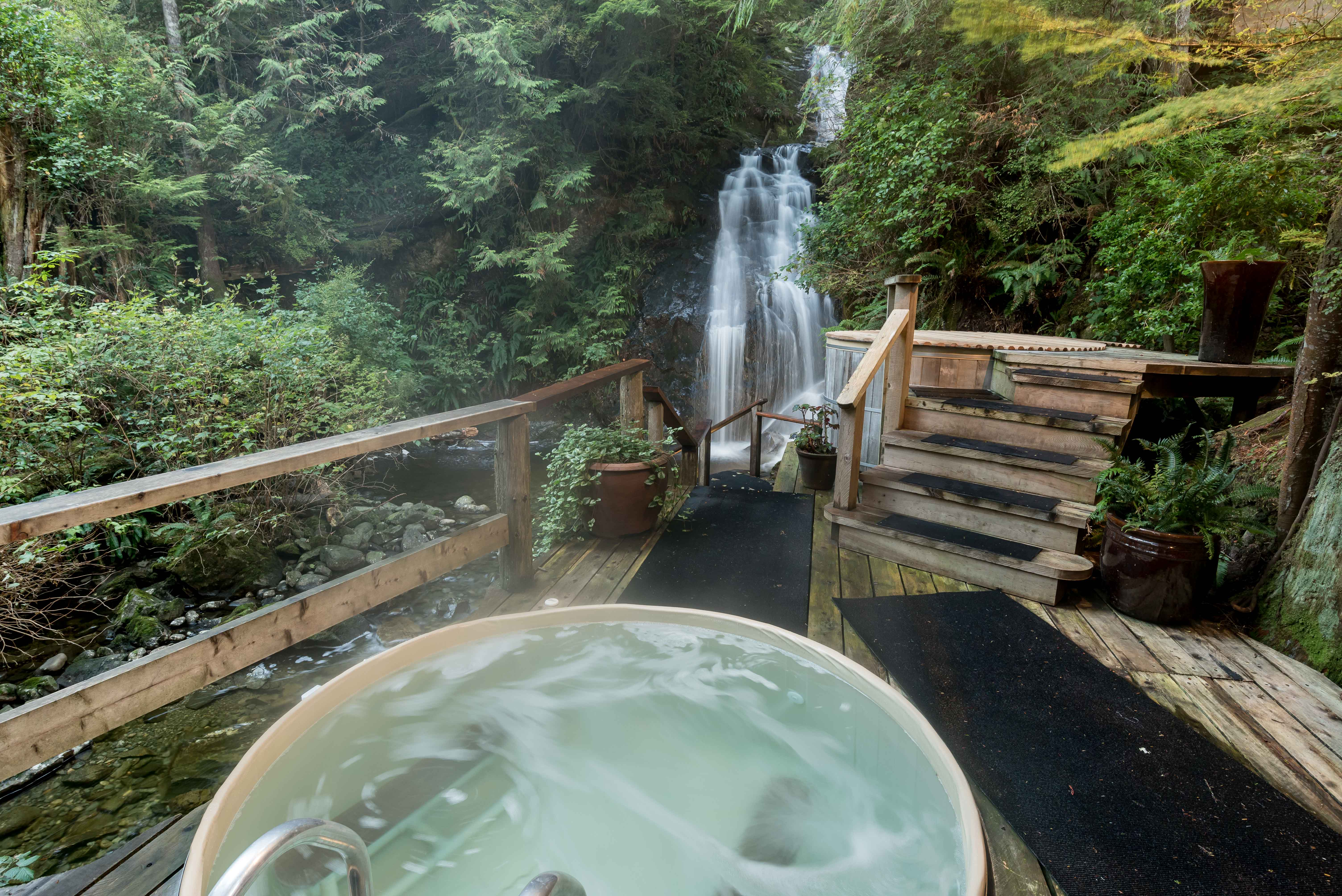 hot tubs images tub elegant ideas best of on outdoor pinterest with rooms